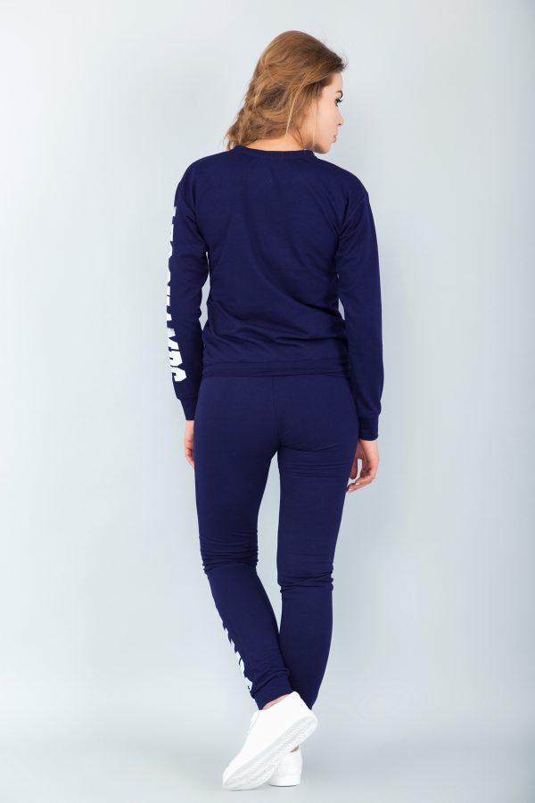 sport-costume-navy-las-back