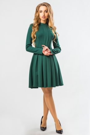 green-dress-fold-stand