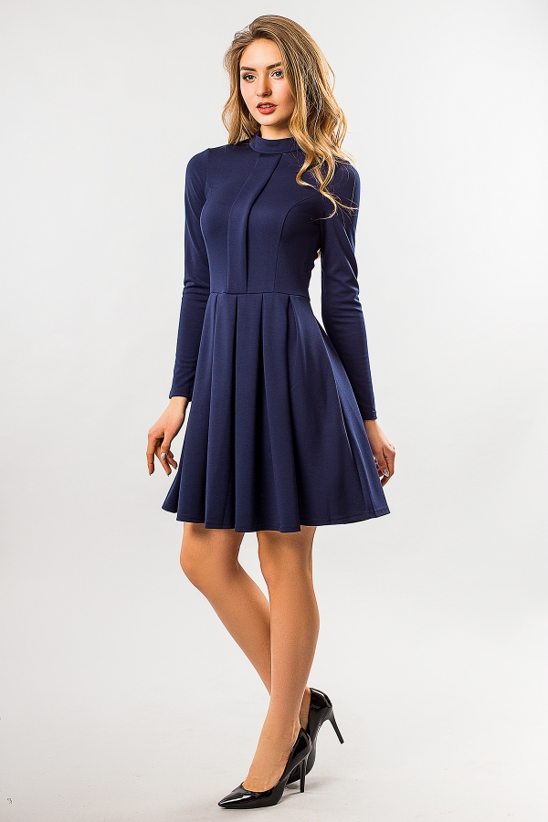 dark-blue-dress-fold-and-stand-full