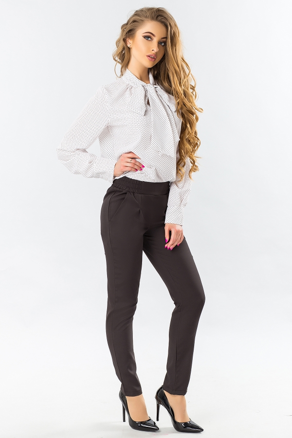 black-trousers-with-folds-full