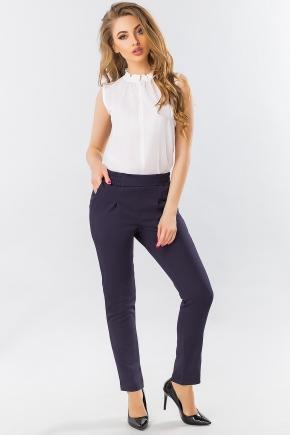 dark-blue-pants-with-folds