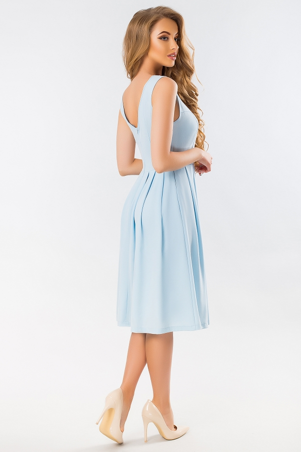 blue-dress-with-angular-relief-back