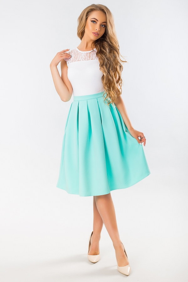 mint-skirt-with-pockets-full