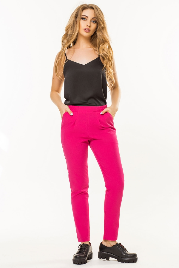 crimson-trousers-pleats