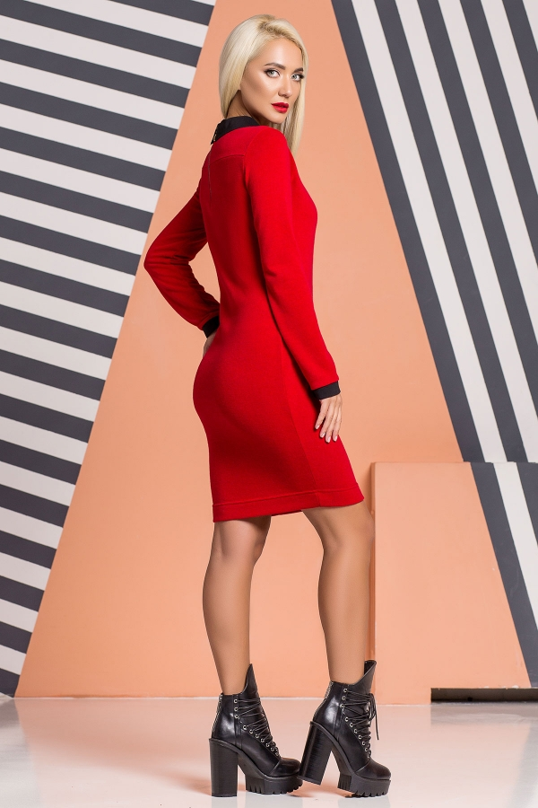 red-dress-black-collar-back