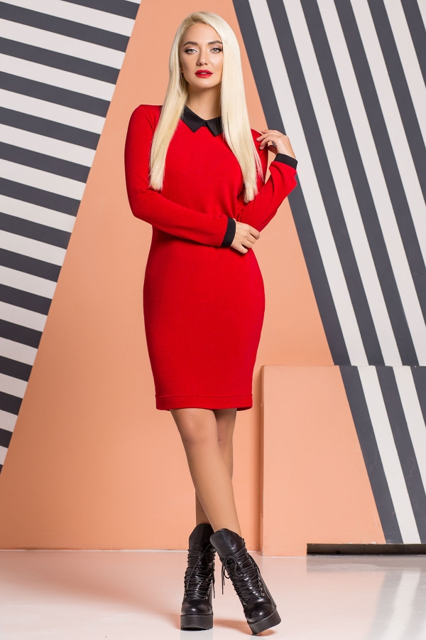red-dress-black-collar-full