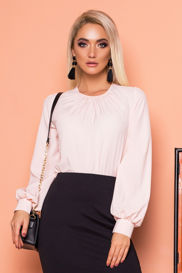 pink-blouse-pleats-wide-sleeves
