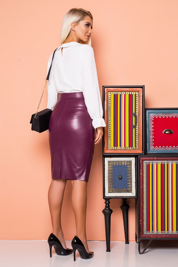 plum-leather-skirt-zipper-back